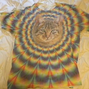 Trippy cat shirt